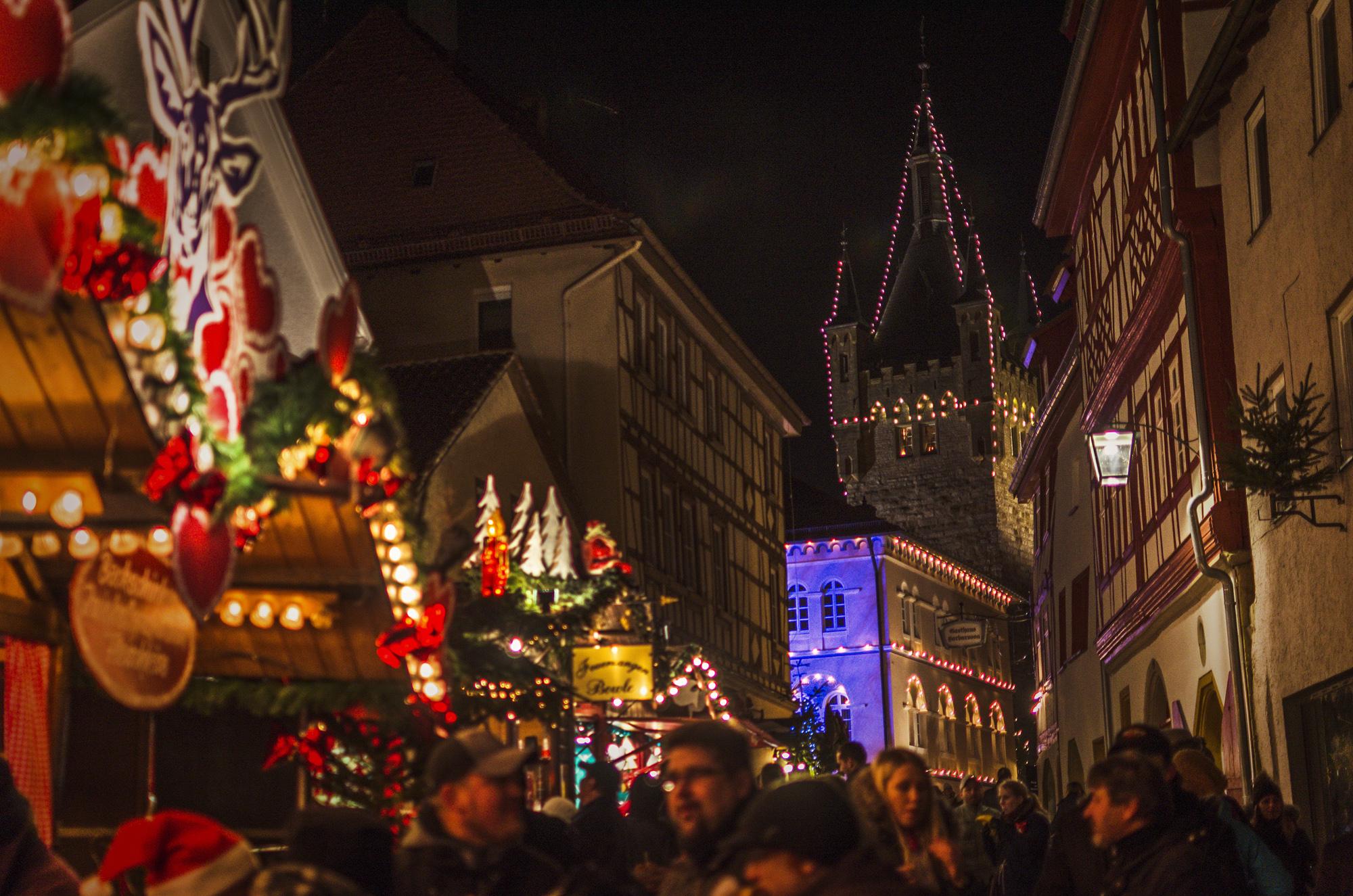 bad-wimpfen-weihnachtsmarkt_blauer-turm-quer2013pg_bearbeitet-1